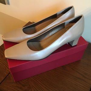 Vaneli nude shimmer heels